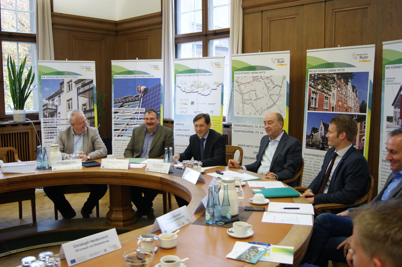 Oberbürgermeister Frank Dudda eröffnet ICro-Projekttisch in Herne