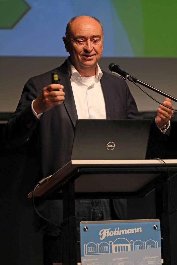 Burkhard Drescher am Rednerpult