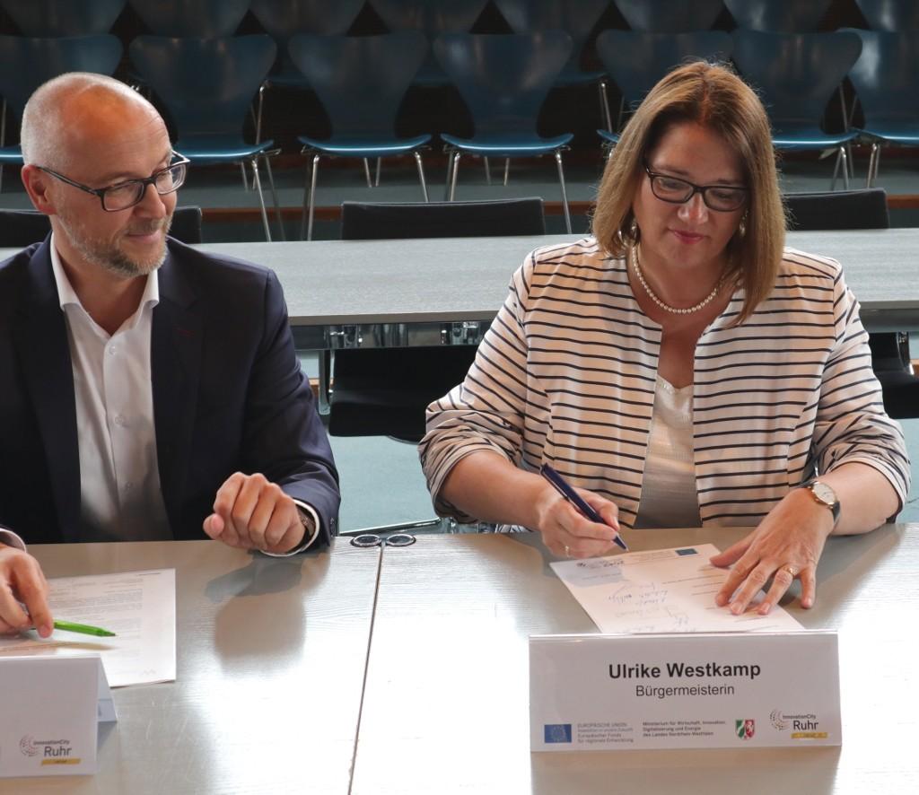 Unterschrift Kooperationsvereinbarung