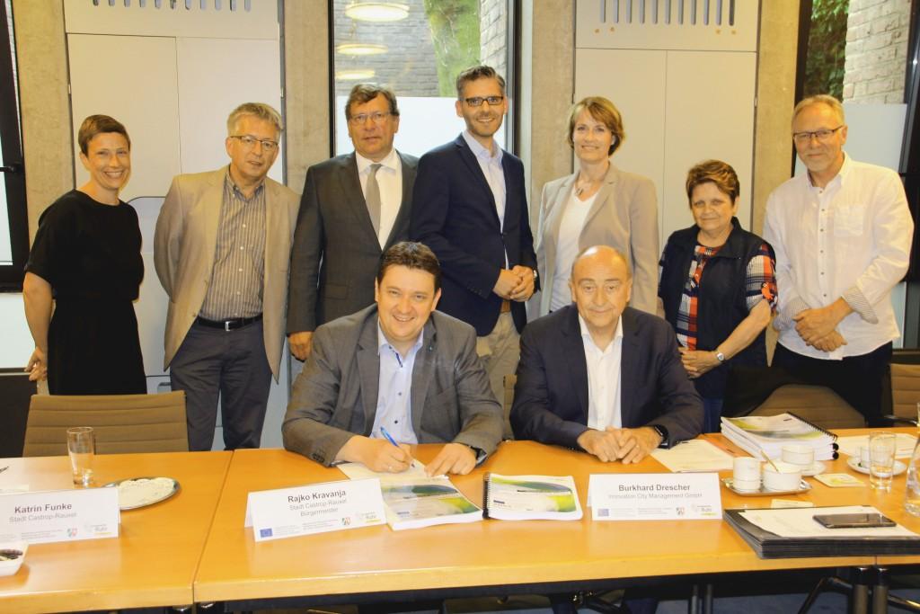 Unterzeichnung der Zielvereinbarung durch Bürgermeister Rajko Kravanja